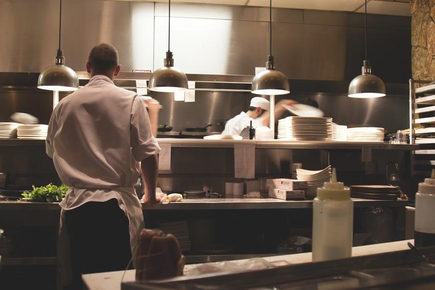 restaurant-kitchen_pexels